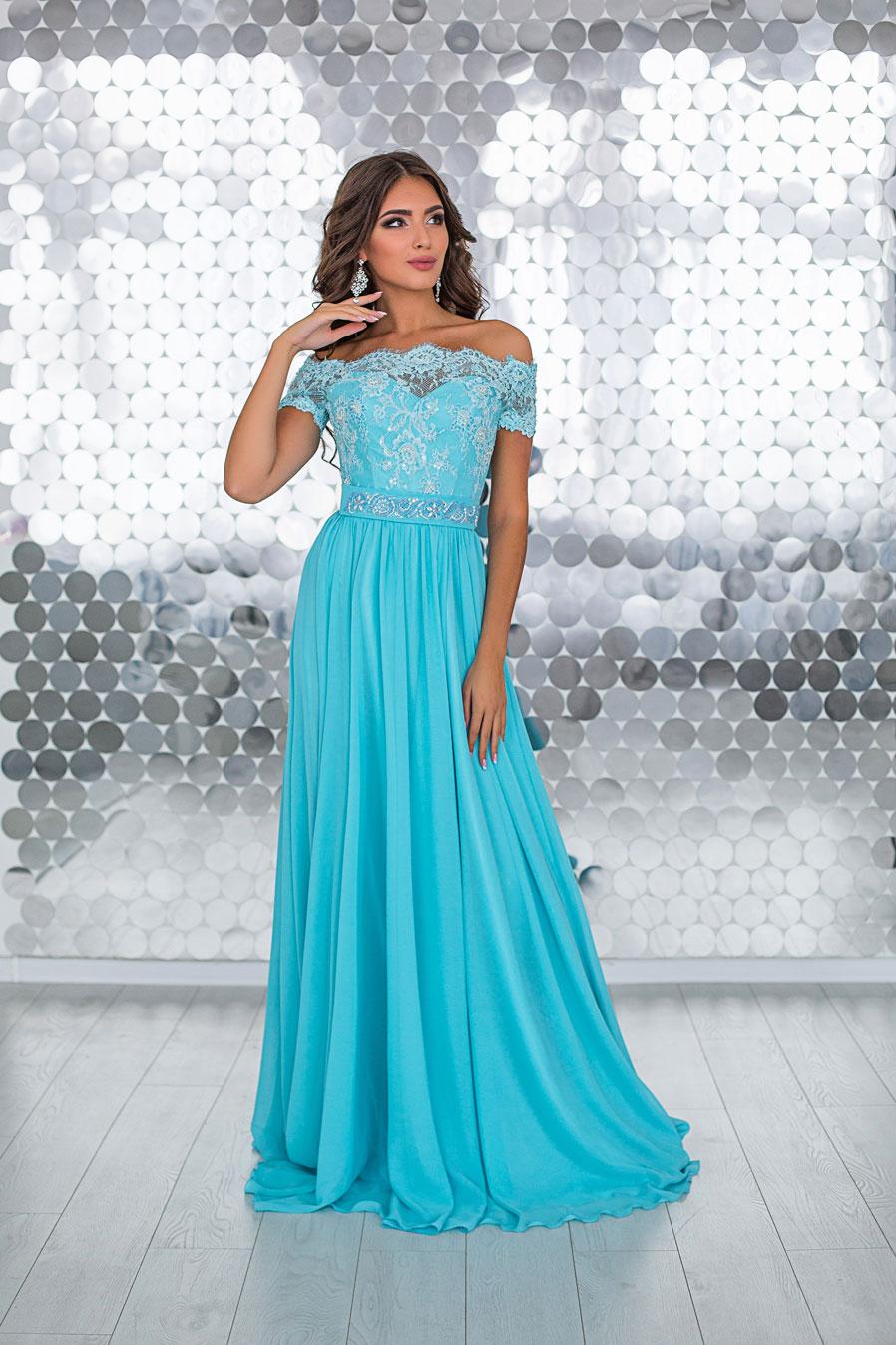 cf6750e4e311 платье прямого силуэта из атласа с вышивкой в небесно голубом цвете
