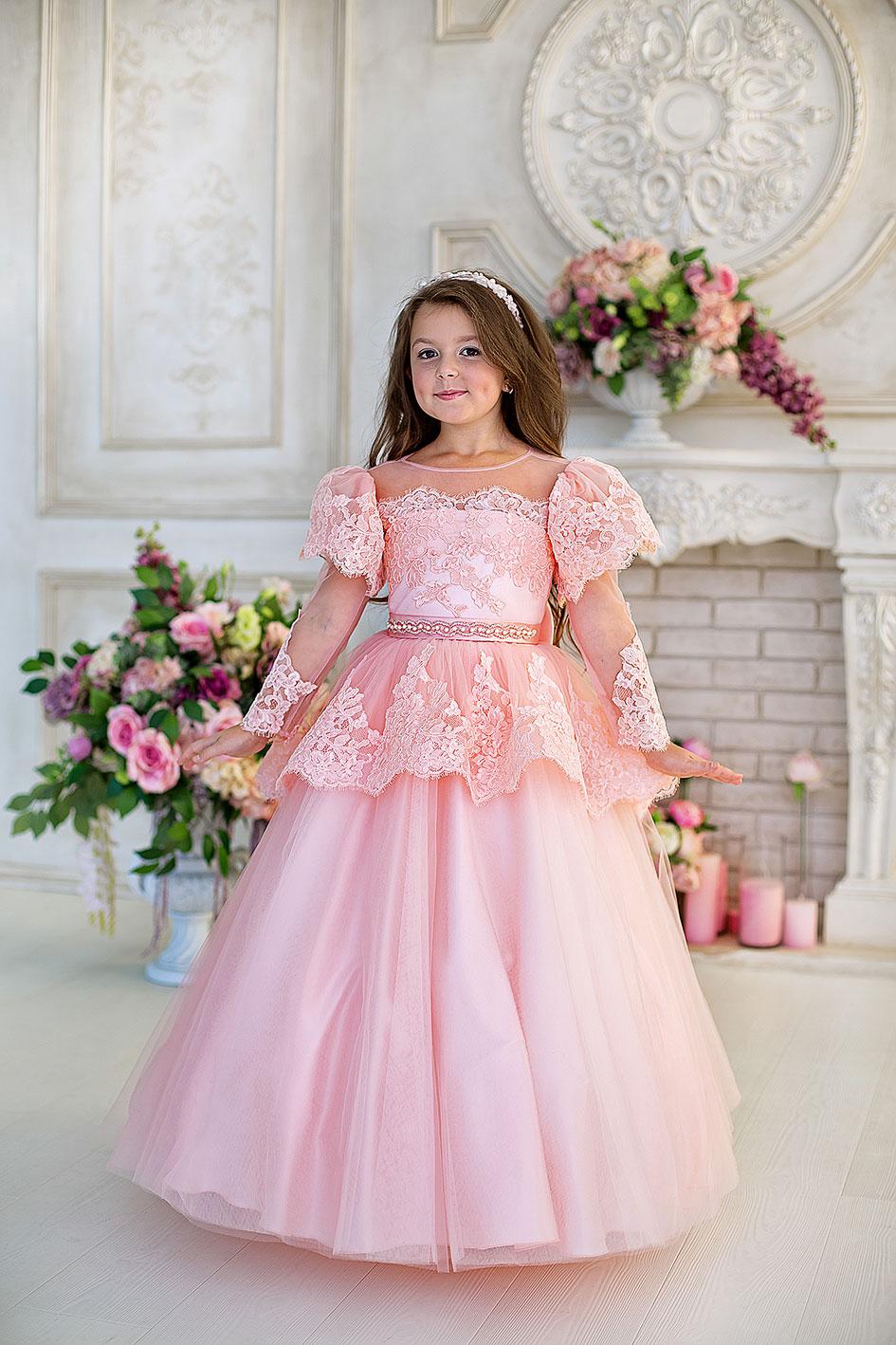 4f0d3603e0c38bd Купить шикарное детское платье с длинным рукавом и баской Emma ...