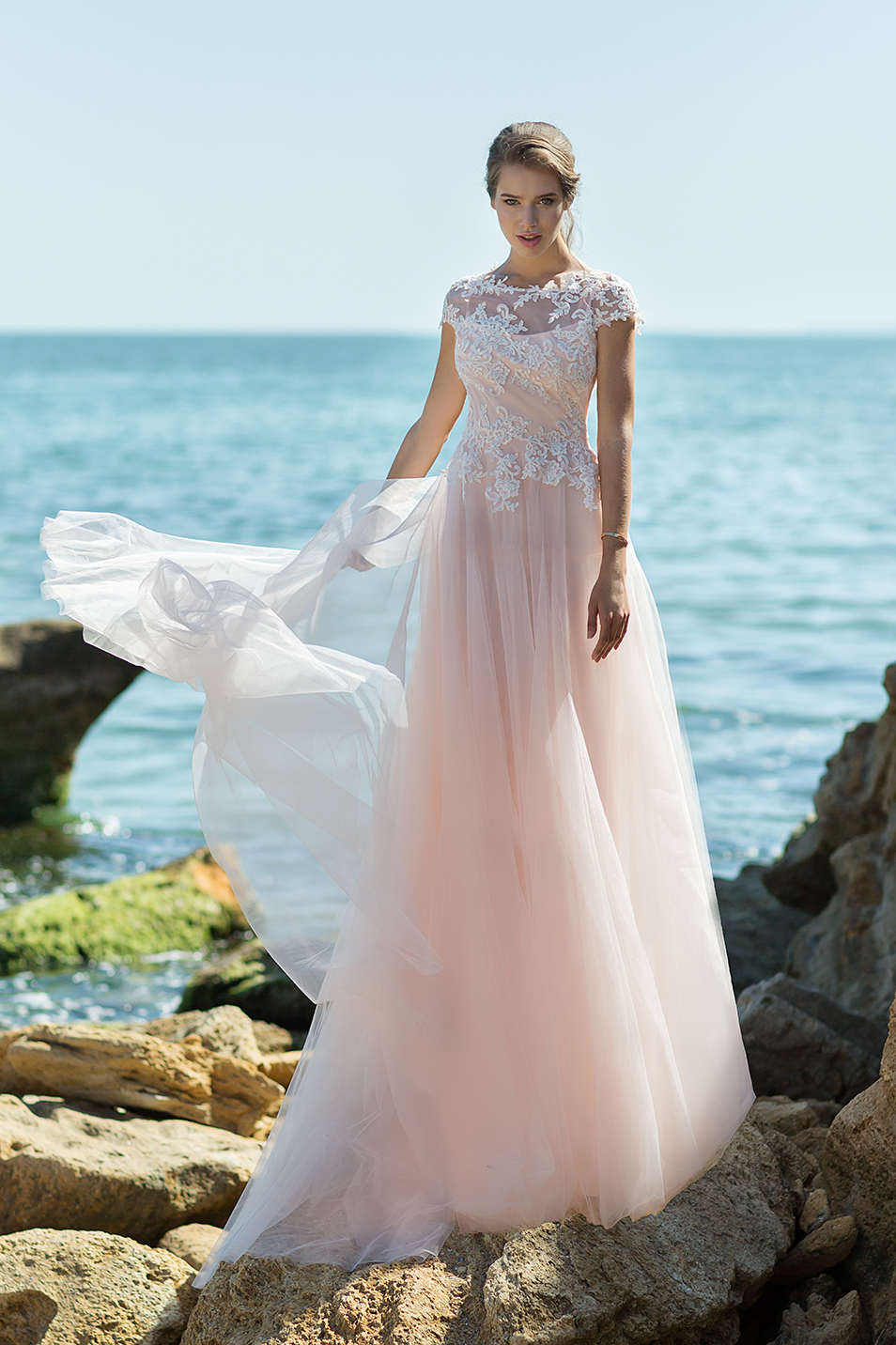486be98bfd8 Легкое свадебное платье Ivanna