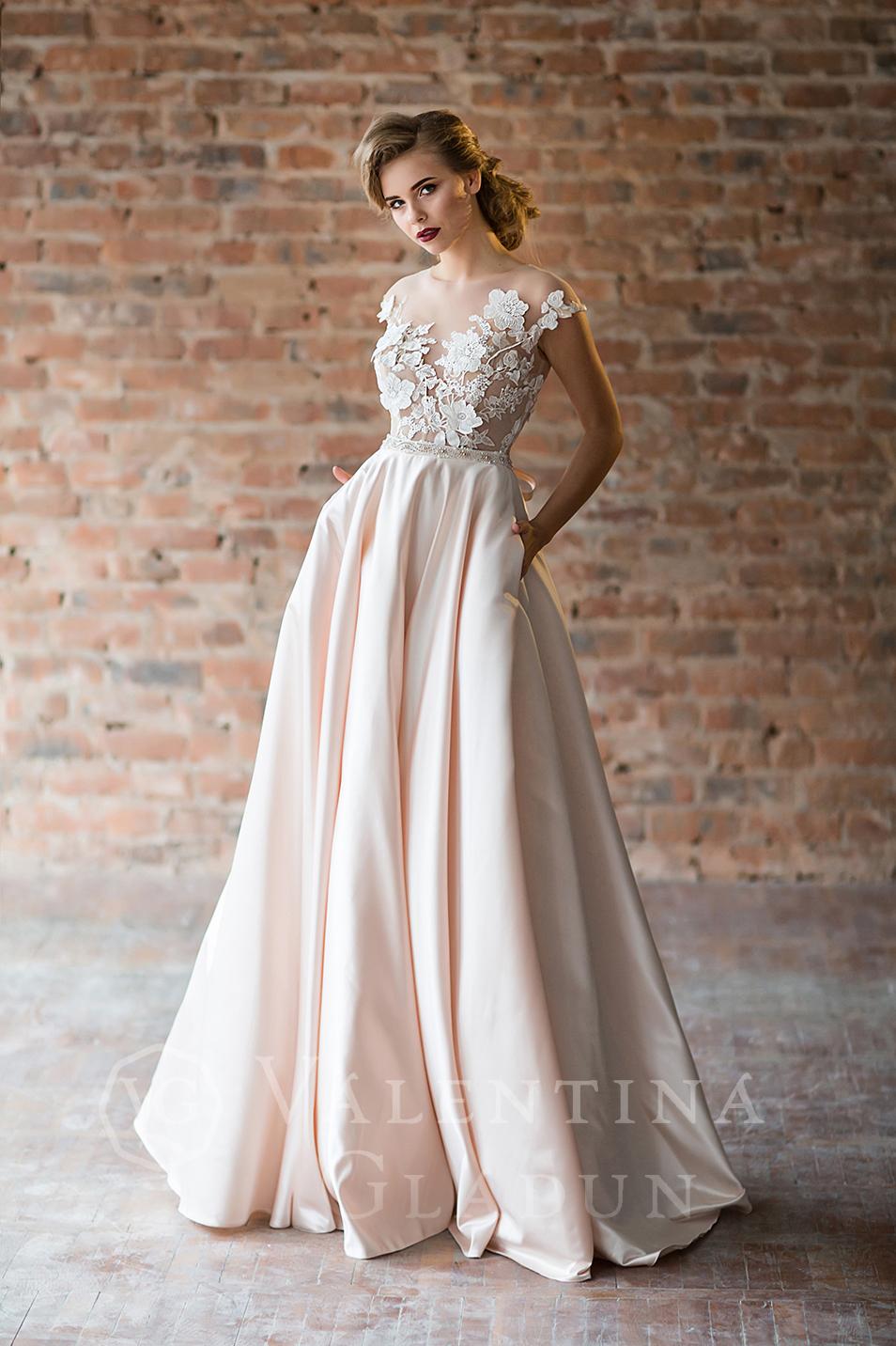 e4624dcd8f5 Купить вечернее длинное платье на выпускной Mistral