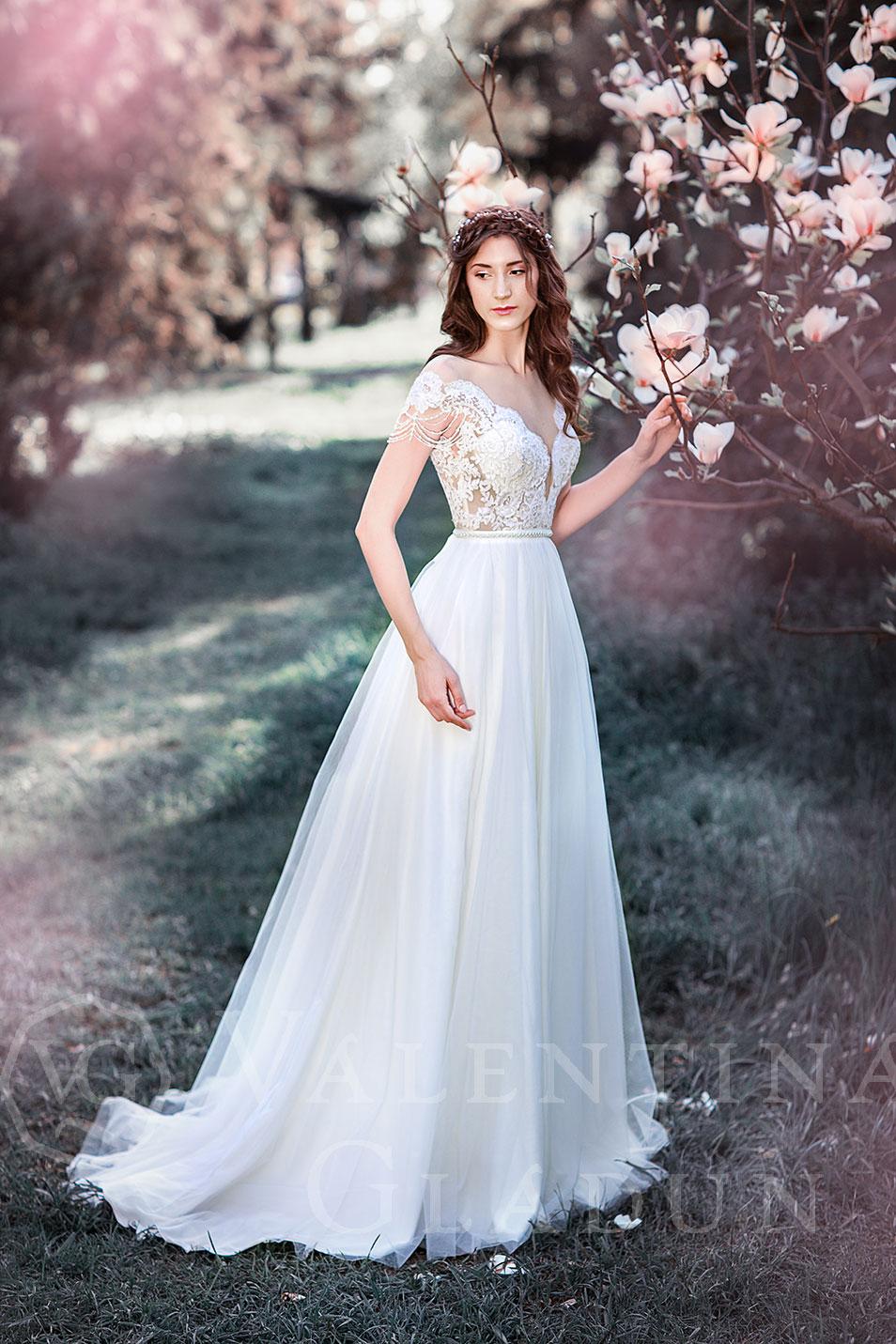 c349dc3a96c Свадебное длинное платье с кружевным корсетом Marguerite