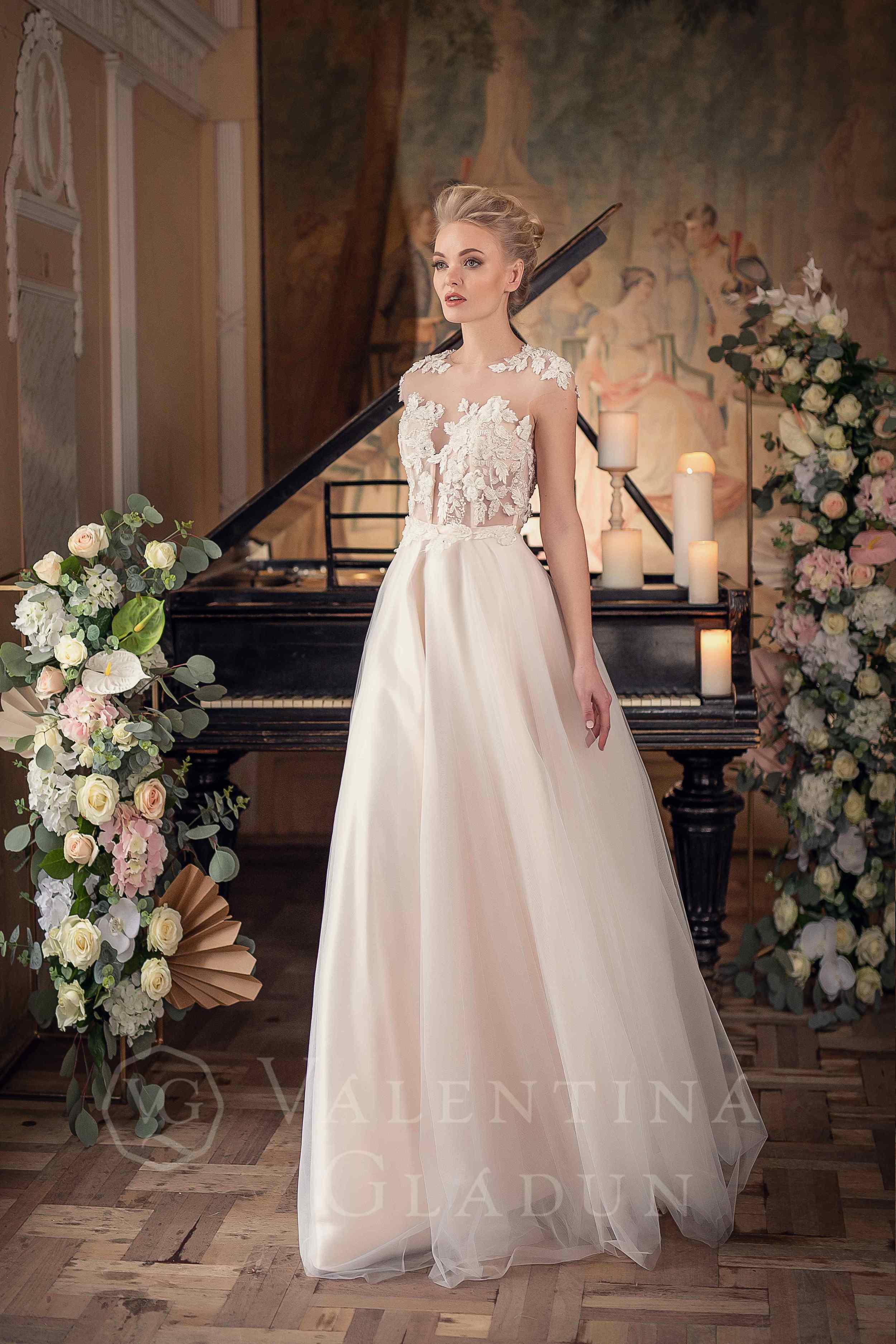 9784b6772af Купить свадебное платье А-силуэта Arno