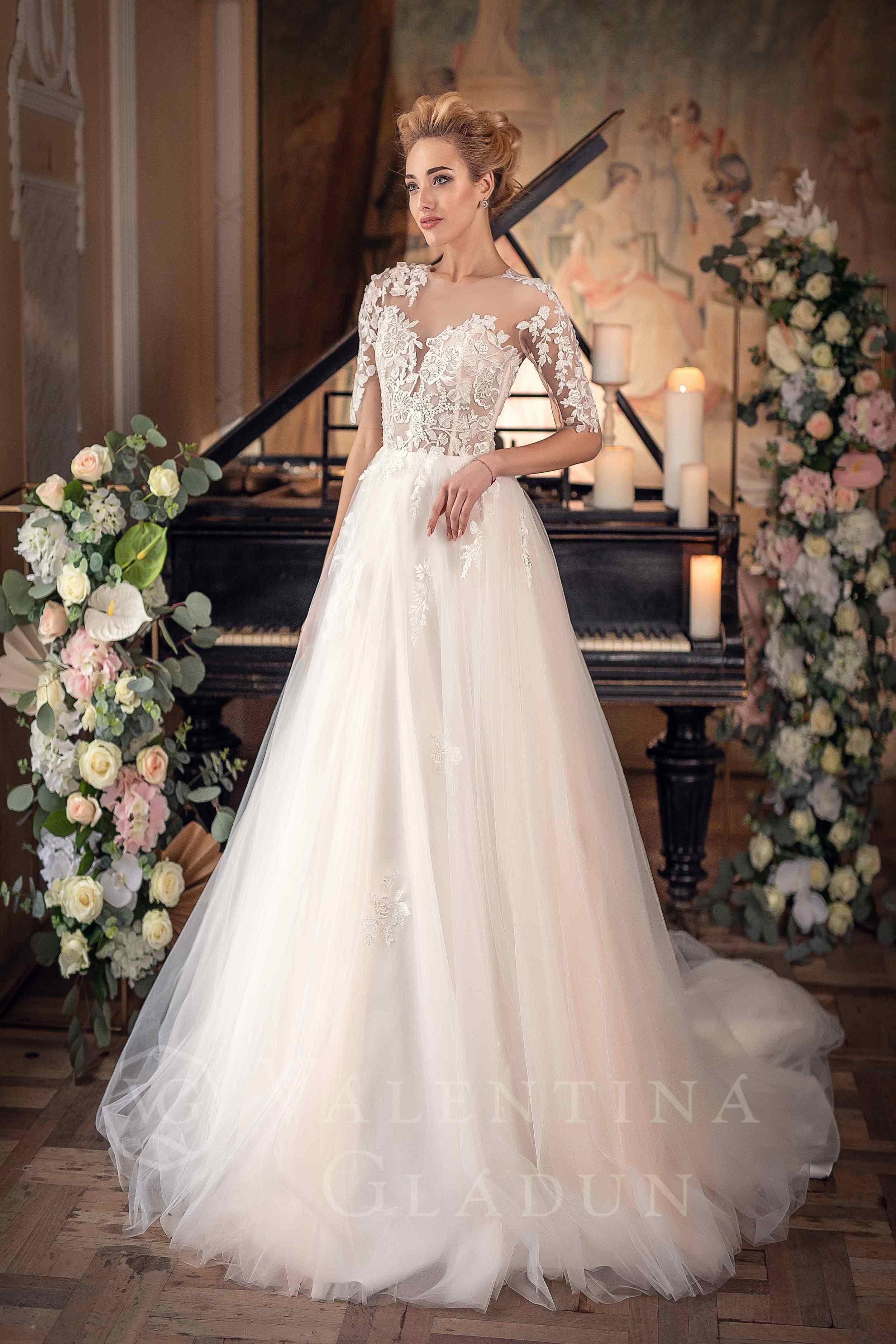 56bfd532cf6 свадебное платье с рукавами в узоры Баваро от Гладун