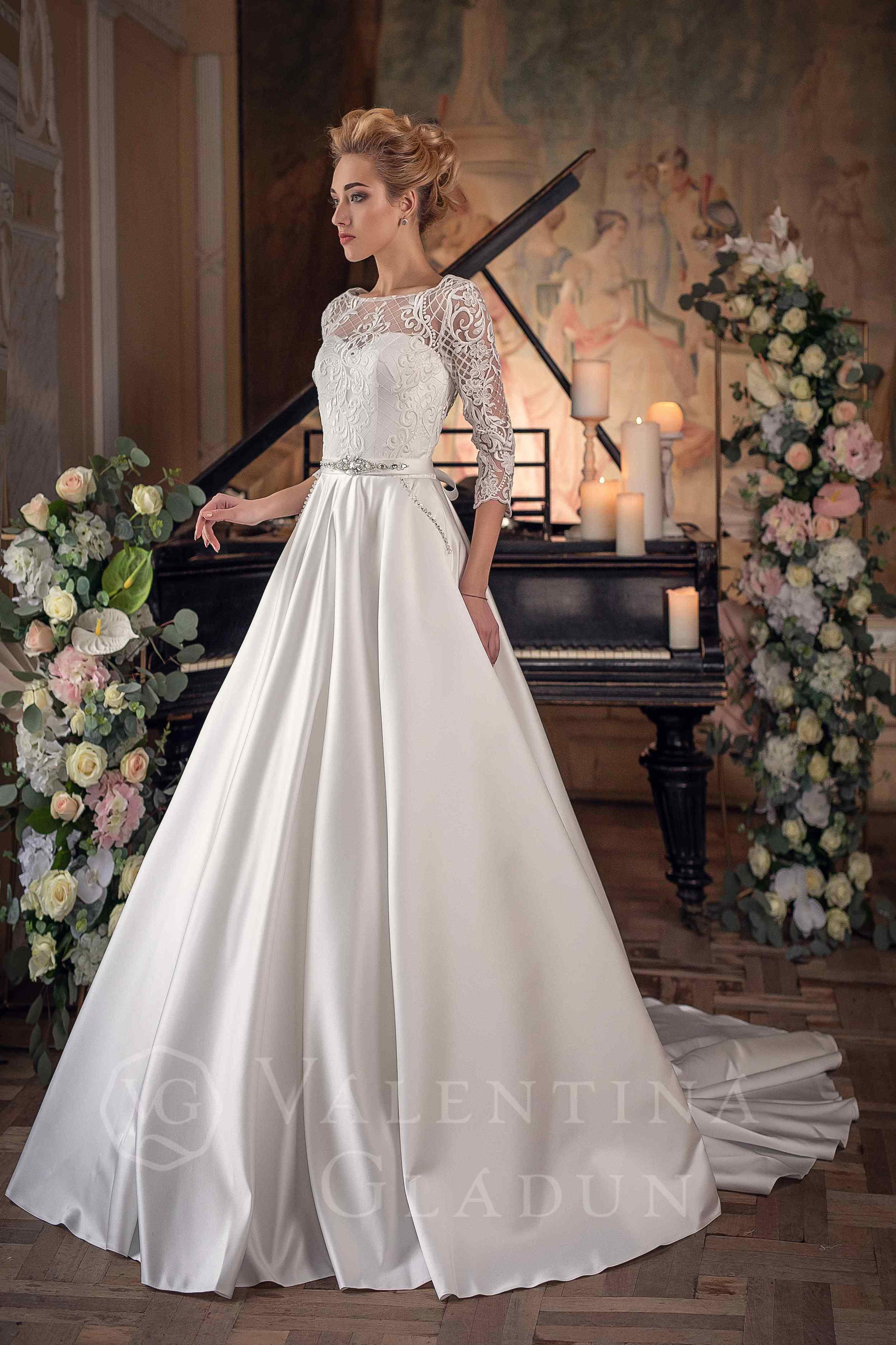 129ab3dcb5f свадебное платье с атласной юбкой с карманами Кармелла