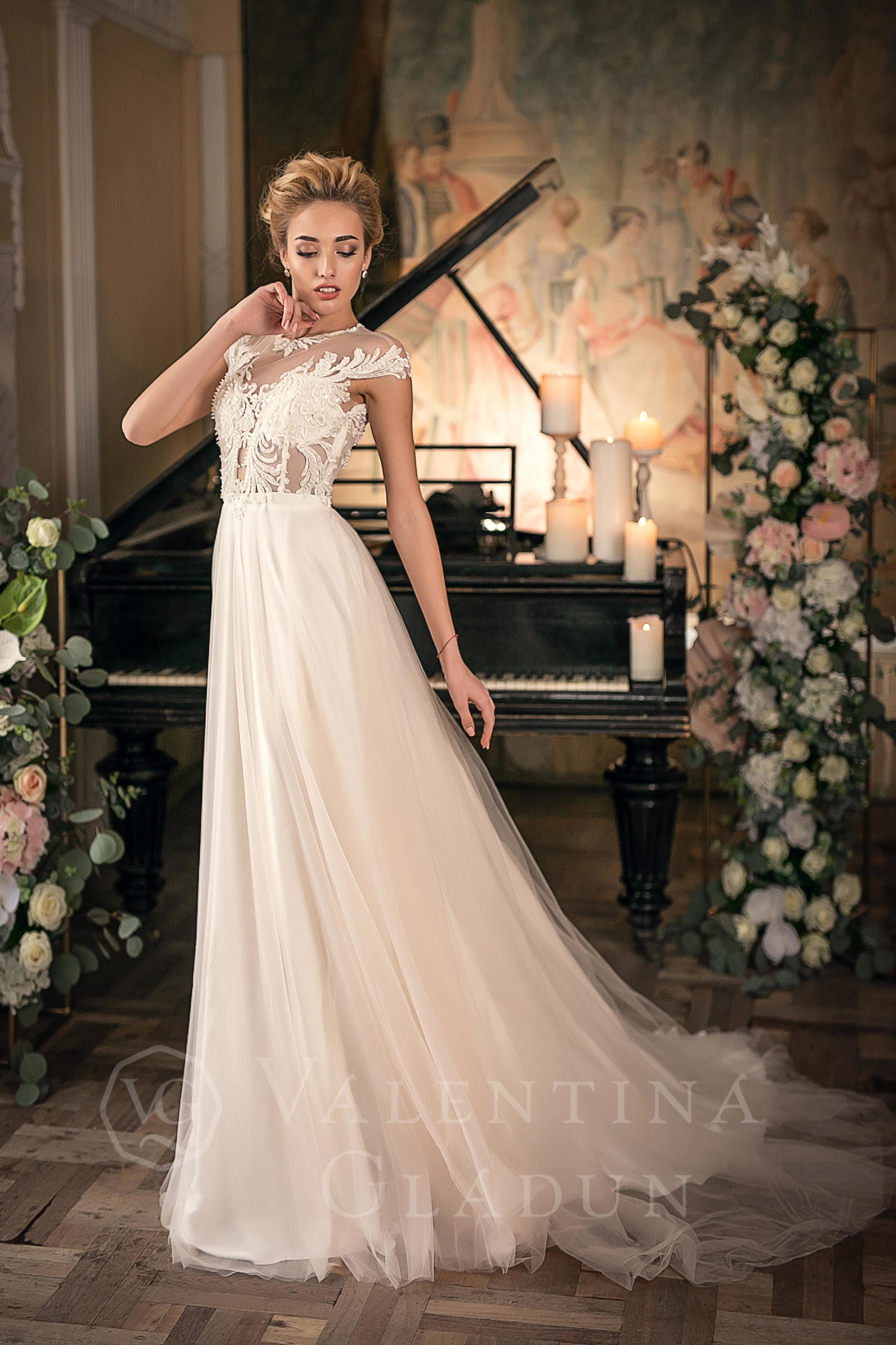 095a4e64b80 Нежное свадебное платье с легкого шелка