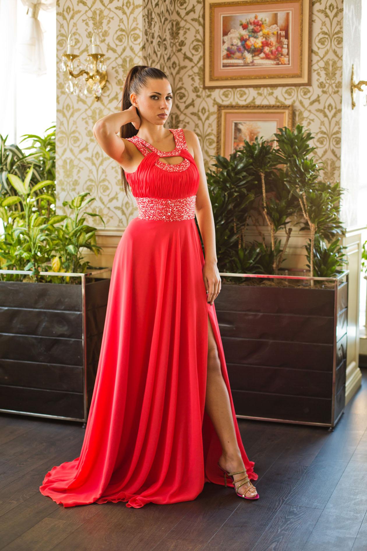 Магазин женских платьев доставка