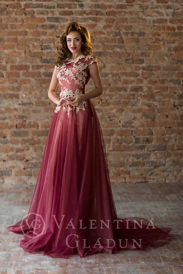 платье в пол на чехле бордо