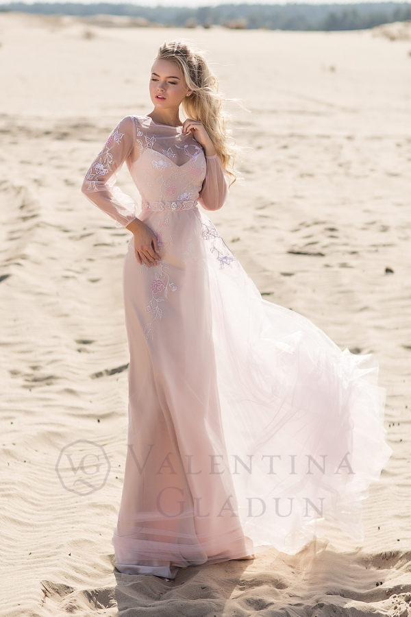 выпускное платье пудра на чехле